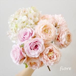 お好きなお花やカラーをお選びいただけます♪丁寧な打ち合わせでイメージ通りのブーケを♡