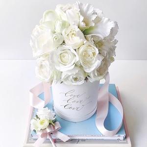 【オーダー品】ご夫婦が末永く仲良くお幸せに♪そんな想いを込めたホワイトラウンドブーケ♡