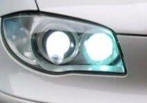 BMW M135i(F20)  4連のヘッドライトでも光るのは。。。