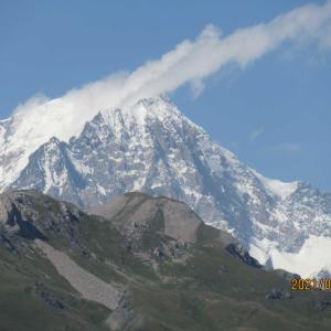 いよいよ本命のフランス アルプス縦断十大峠ドライブ+ハイキングに入る