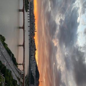 ドンヘの部屋から見える夕日✧‧˚ Donghae IG story~☆