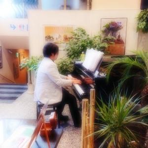 フードストアあおき御殿場店 12/15(日)ピアノ演奏