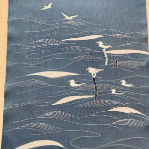 カモメを描いた夏の染帯