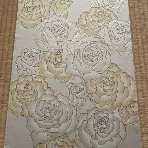 薔薇の花を描いた染帯