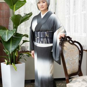 映画「総理の夫」に出演の余貴美子さんの着物を衣装協力3