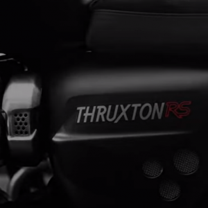 トライアンフ 新型スラクストンRS 「Thruxton RS」11月にEICMA公開! 【TRIUMPH】