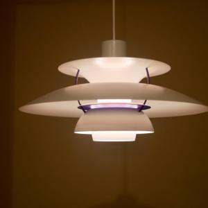 照明はルイスポールセンのPH5に決定。テーブルからの高さは?