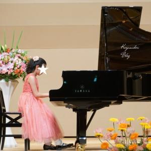 娘2年越しのピアノ発表会!念願の演奏とドレス姿にうっとり