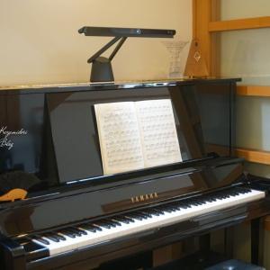 ピアノ用おすすめ照明【BenQ Piano Light】 ベンキューピアノライトに感動!