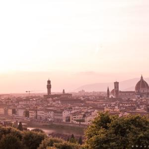花の都フィレンツェを見下ろすミケランジェロ広場