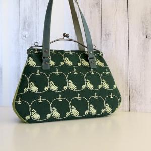 ミナペルホネンのバッグ出品しました。