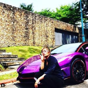 GACKTさん、マレーシアKLでド派手な紫ランボルギーニに乗ってるところをyoutuberに撮られる