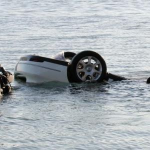 海に車転落し男性死亡 「運転中に落ちた」と自ら110番/徳島・鳴門市