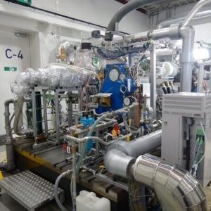 水素100%で発電するエンジン、三菱重工らが安定燃焼の手法を確立