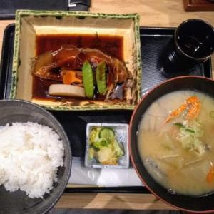 新宿南口おひとりランチ♪おいしい煮魚ランチ『いかの墨』 新宿駅南口マインズタワー店