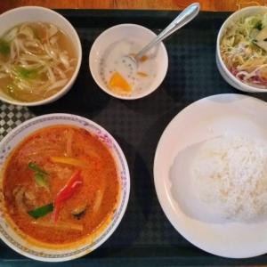 東新宿アジアンエスニックランチ♪現地気分が楽しめるキッチュなお店『タイ居酒屋 トンタイ』