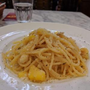 本場ナポリのピザが食べられる「PIZZERIA CAPOLI (ピッツェリア カポリ)」でパスタランチ