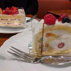 新宿小田急ハルクの地下にある「カンタベリ カフェ」さんでケーキセット