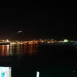 函館の沖堤で夜釣り
