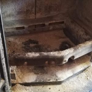 連休中は冬の準備で薪ストーブの分解掃除