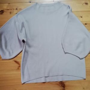 GU 多色買いしないつもりだったのに思わず全色買いニット ボトルネックパフスリーブセーター