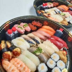 デリバリーでお寿司を取る!!!