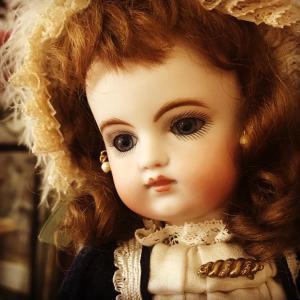 お人形をちょっと素敵に…