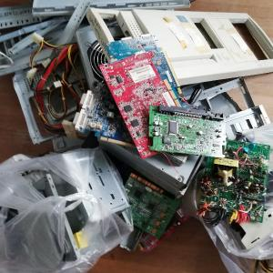 誰がために粗大ゴミはある〜パソコンという不燃物と人間という燃えるゴミと