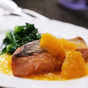 秋鮭のソテー オレンジのソース