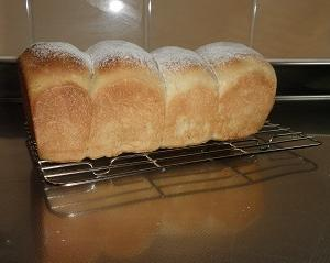梅入り食パン
