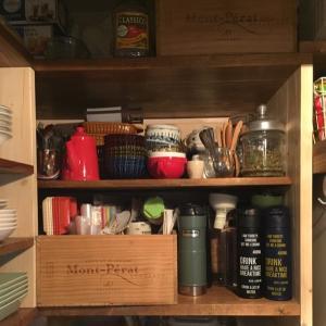 【キッチン】収納棚を使いやすく… 見た目重視で使ってた ワイン木箱、やめようかな。(前編)