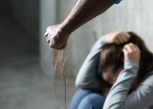 「DV加害者は何故〝本来愛するべきパートナー〟に暴力を振るうのか?」