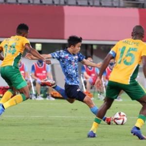 「サッカー男子1次ラウンド 南アフリカ撃破!」