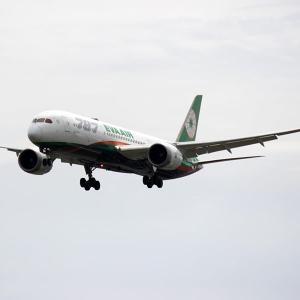 エバー航空 B787 福岡空港