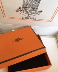 エルメスから届いた小箱