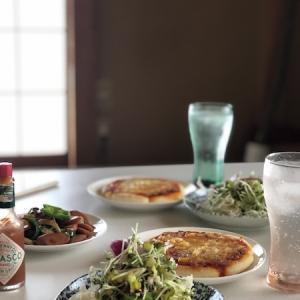 野菜を足したピザと、ライムを足したバカルディ。