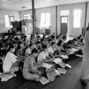 1999 ヤンゴン・僧院の外国語教室