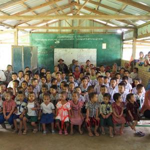 ヤンゴン郊外・村の小学校に響く日本の歌