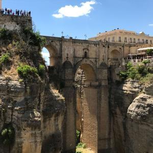 【スペイン】断崖絶壁の古都ロンダを半日でぶらり観光!ヌエボ橋は圧巻でした!