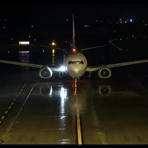 雨の夜 高知龍馬空港(RJOK/KCZ)