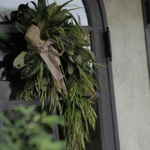 琵琶の葉のドア飾り