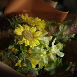 ひまわり「ビンセントクリアレモン」の花束