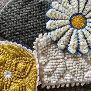 「決定版 人気の手編みざぶとん 」かぎ針編みのざぶとんを編んでもらいました!