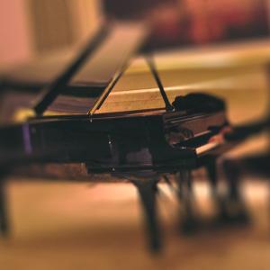 街角・駅にあるアコースティックピアノ