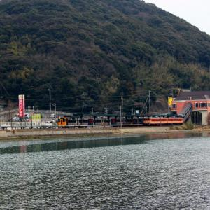 【国鉄色】 JR九州 大村線 キハ66・67形 国鉄色 快速シーサイドライナー ハウステンボス駅 (2018.02.09)