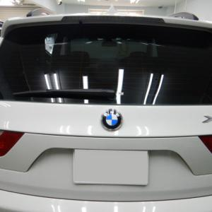 2019/12 BMW・X3(アルピンホワイト)リアスモークフィルム貼替と内装レザークリーニング 札幌市中央区よりご利用ありがとうございました。