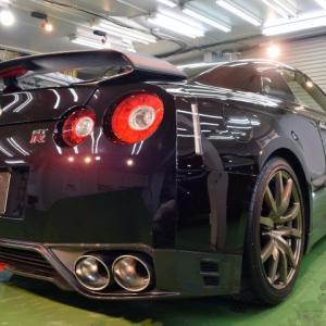 2020/6 日産・GT-R(MY13)世界限定100台のカラー「ミッドナイトパープル」完全2層式ガラスコーティング「SPGコート」施工依頼 全体的に雨染みが多く一旦リセットでのご入庫でした。