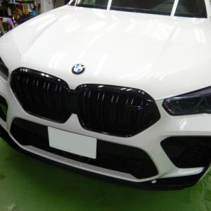 2021/9 BMW・X6 M COMPETITIONのヘッドライトへスモークプロテクション(STEK ダイノシェード )を施工させて頂きました。札幌市豊平区よりご利用ありがとうございました。