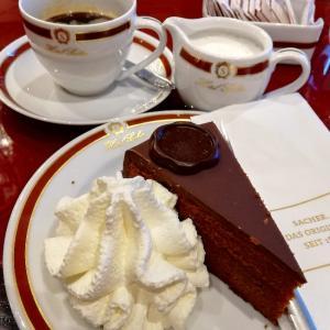 【ウィーン】ザッハトルテで有名なCafe Sacherが激甘だった件