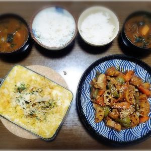 【家ごはん】 鶏肉と蓮根の甘酢炒め と チーズin とろろ豆腐ステーキ